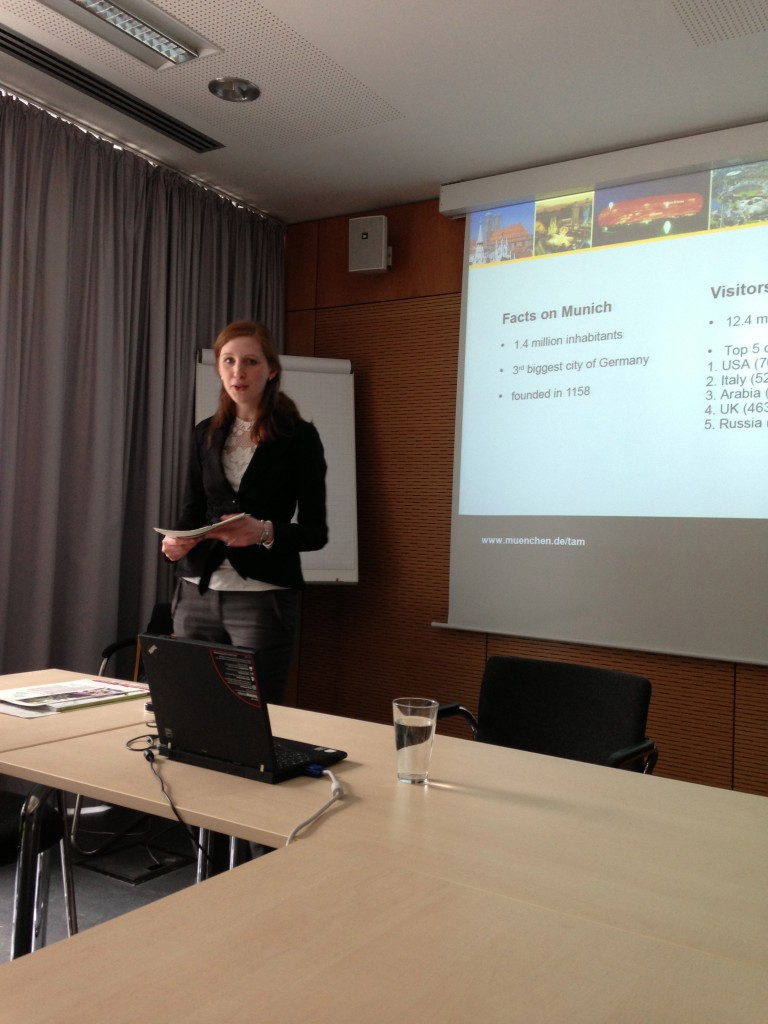 Isabella Schopp gives a presentation on the Munich Tourism Office.
