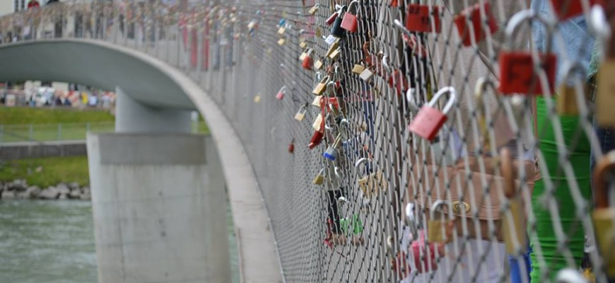 Lovelocks on the Makarsteg Bridge.
