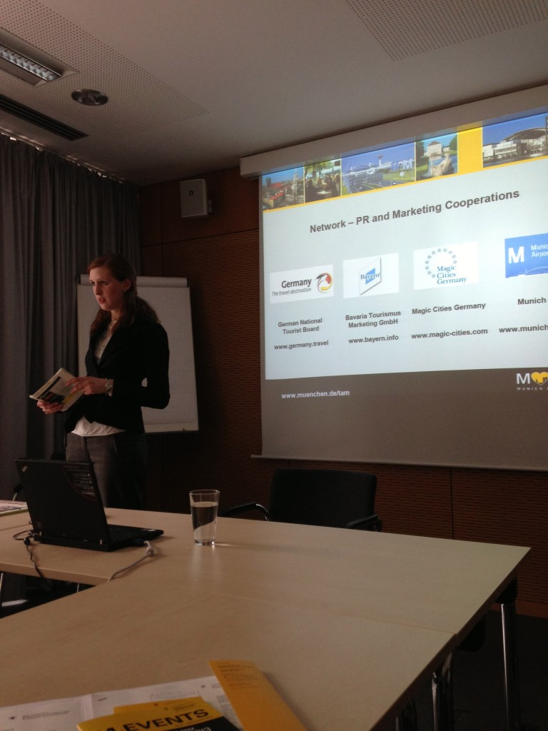 Isabella Schopp gives a presentation at the Munich Tourism Office.