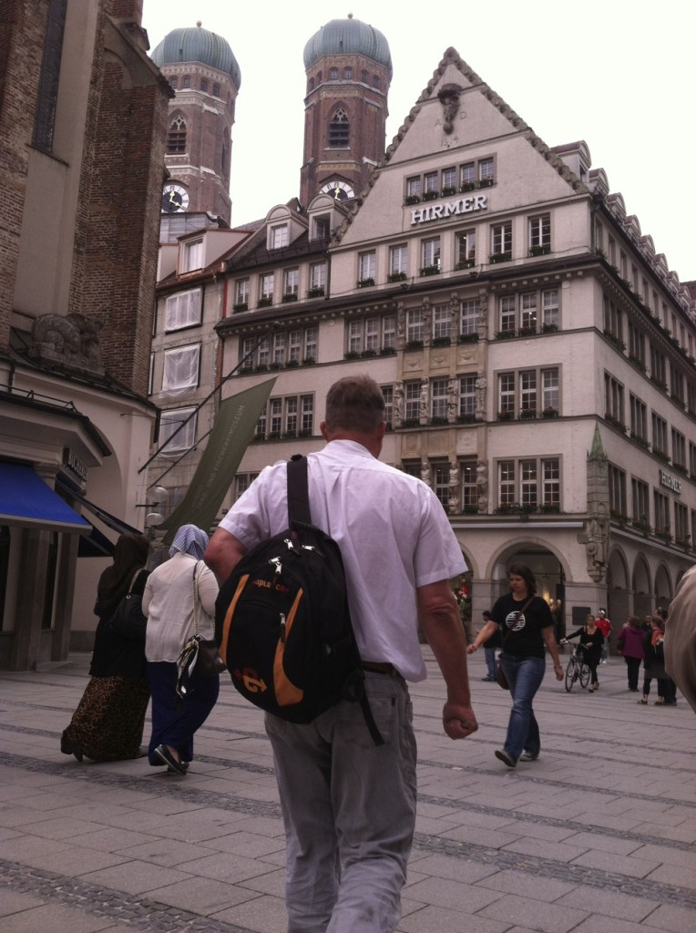 Arnoud Beck leads the Point Park students on a walking tour of Munich.